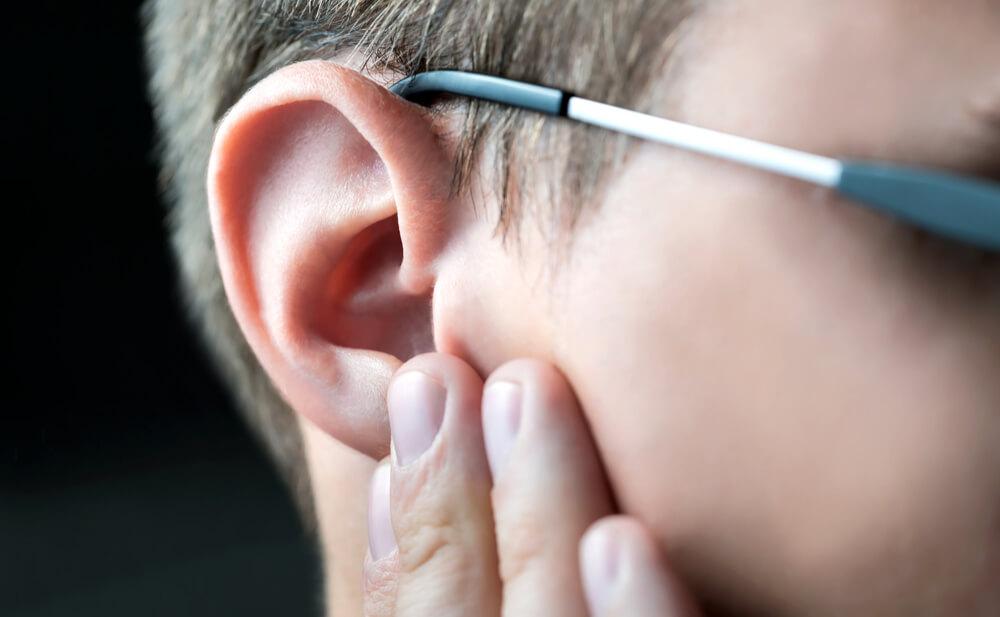 cera en los oídos